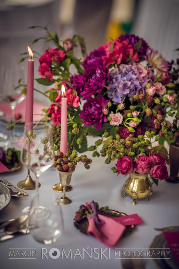 Stół weselny - bukiety