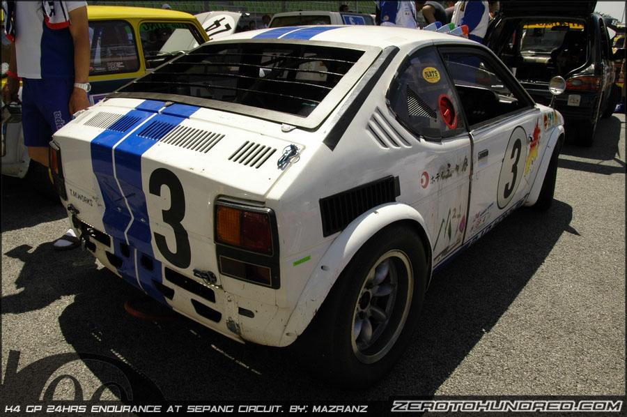 Suzuki Fronte Coupe, małe wyścigowe auta, motoryzacja z lat 70, oldschool, racing