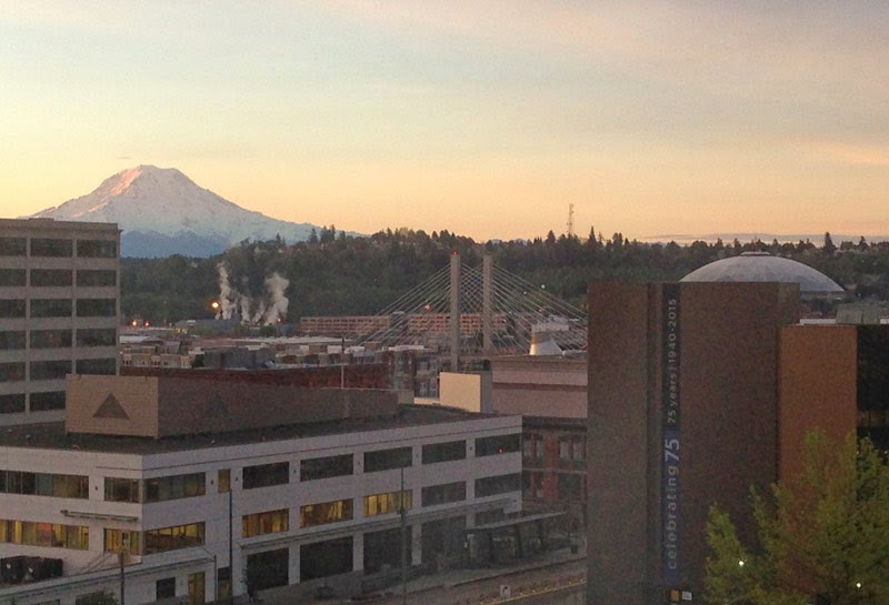 View of Mount Rainier from Tacoma downtown