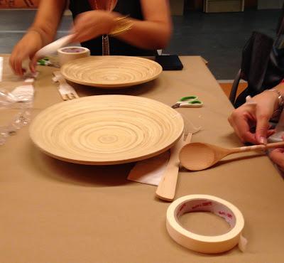 Taller decoración de plato y cubiertos de bambú con ChalkPaint Spray