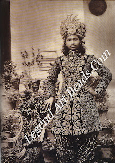 During his short life Nawab Sadiq Muhammad Khan of Bahawalpur spent money with flair, freely sampling European wares. Many of the diamonds in his spectacular turban ornaments were European-cut stones of South African origin.
