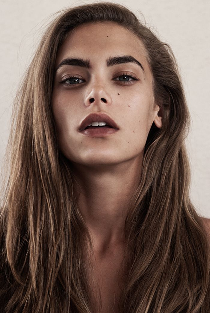Dark Nude Lipstick 90s Makeup Look Light Brown Lips
