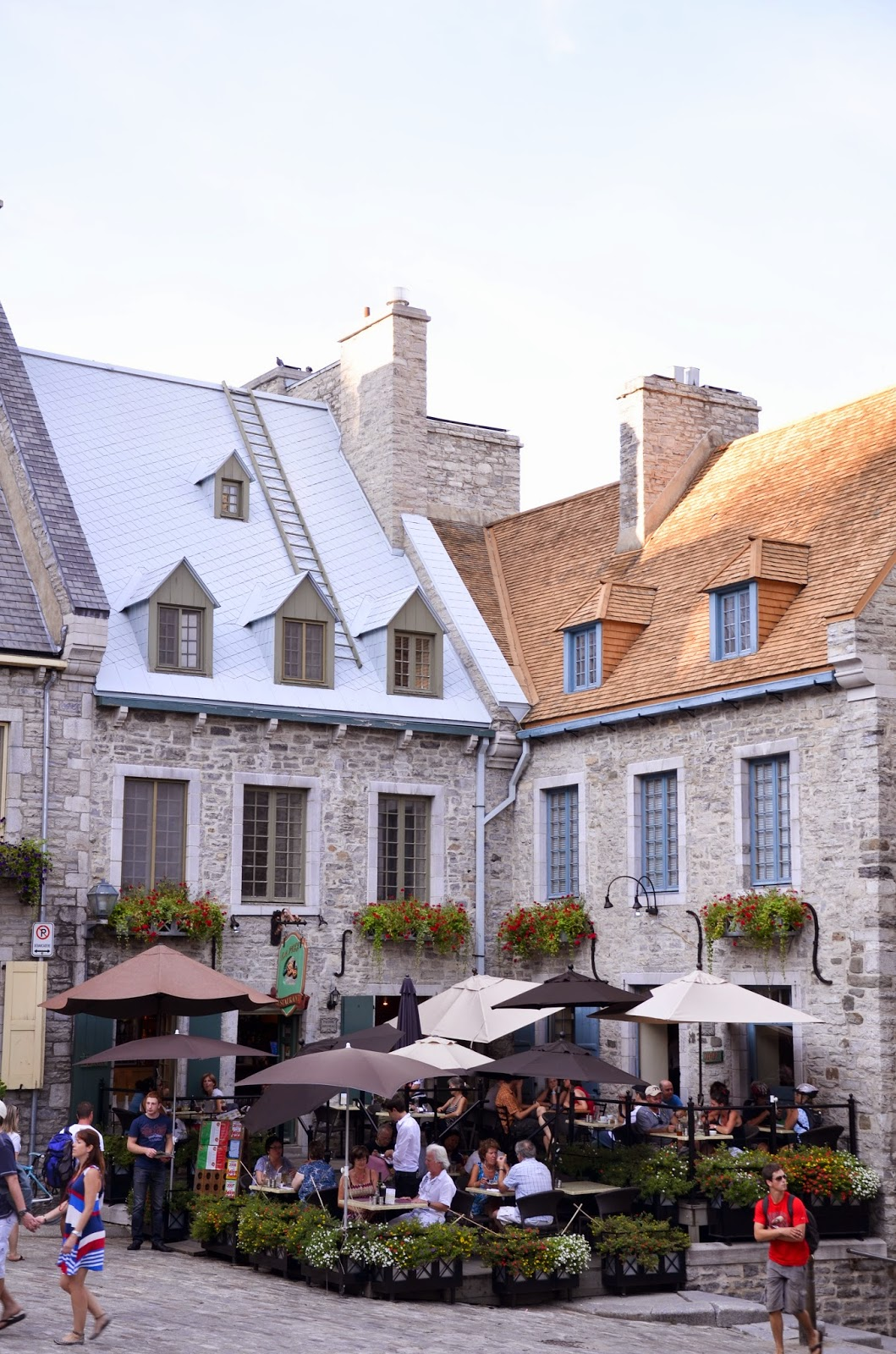 Have lunch in Place Royale and admore the beautiful french architecture in Quebec City