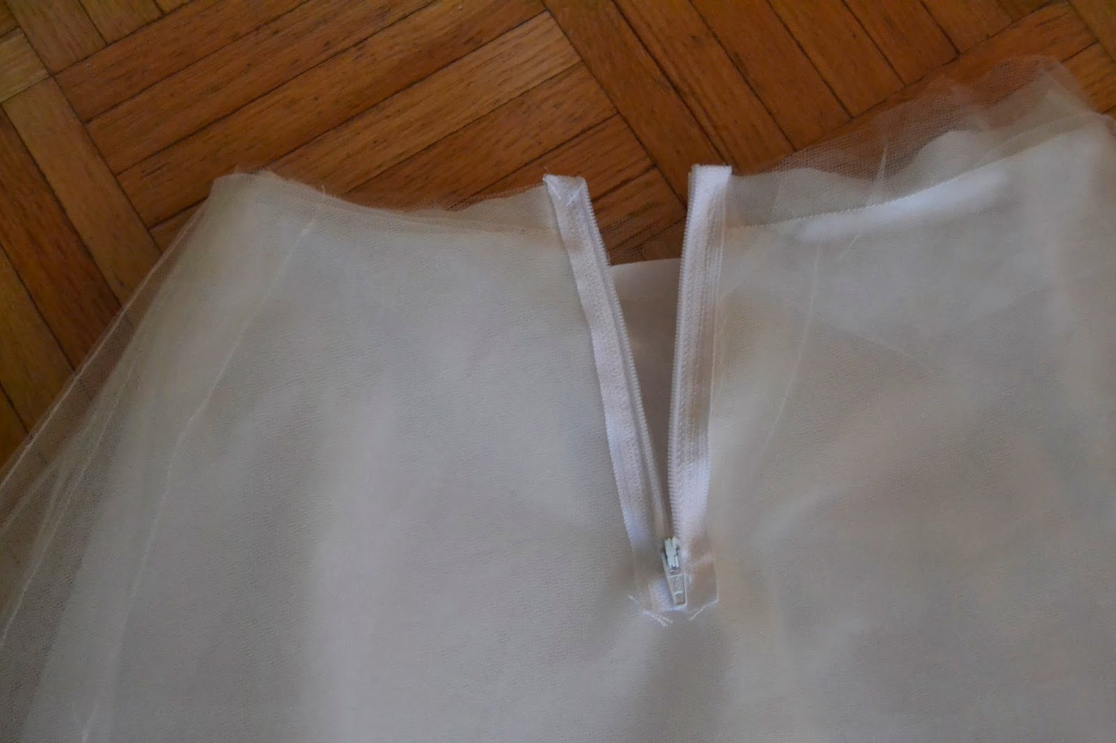 The crafty novice diy sew tulle skirt