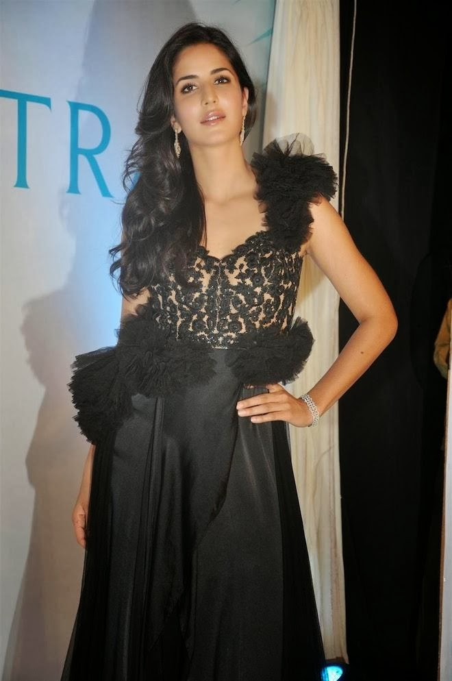 katrina-kaif-hot-pics-in-see-through-dress-2