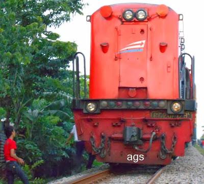 lokomotif cc201129R