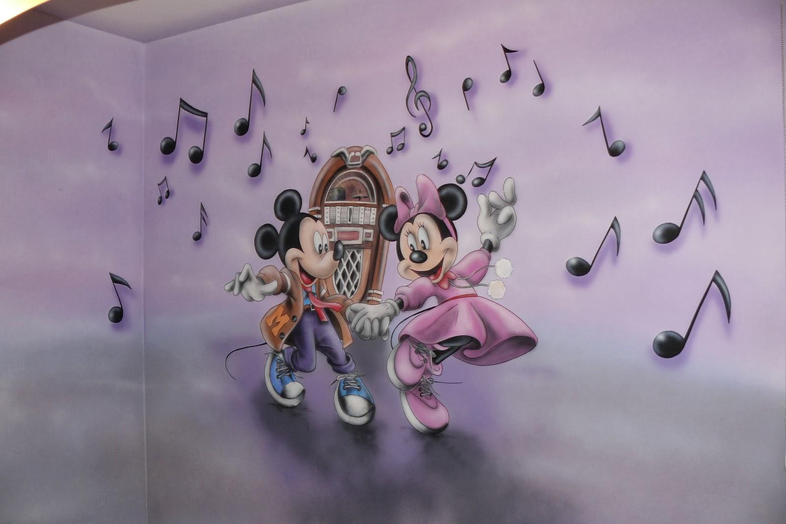 Artystyczne malowanie ściany w pokoju dziewczynki, aranżacja ściany u dziecka, warszawa