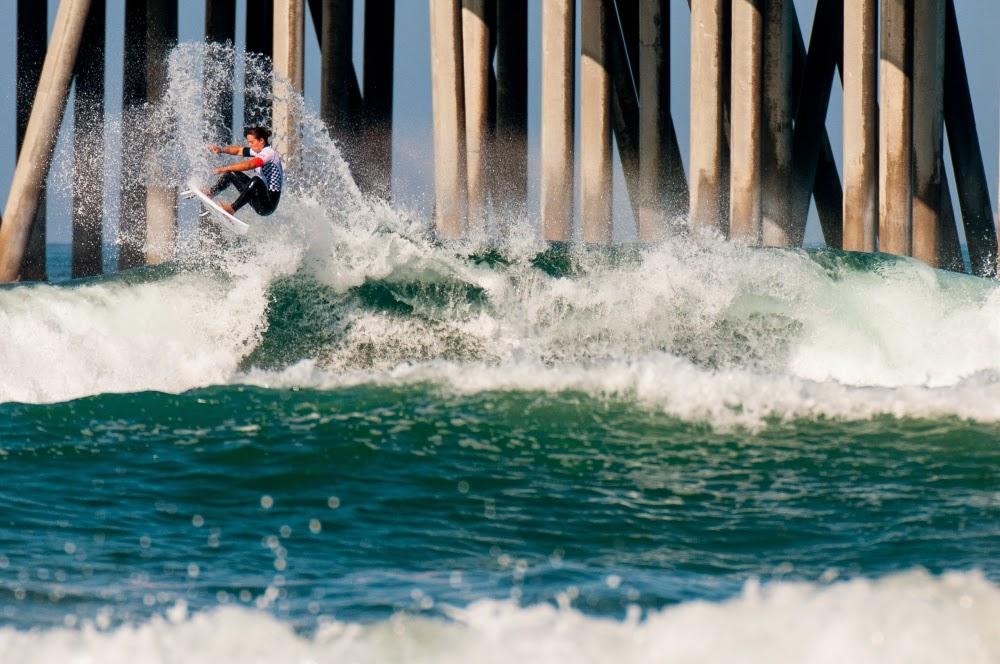 d6_surf_women_r4_brandonmeans_tyler_wright_2__large