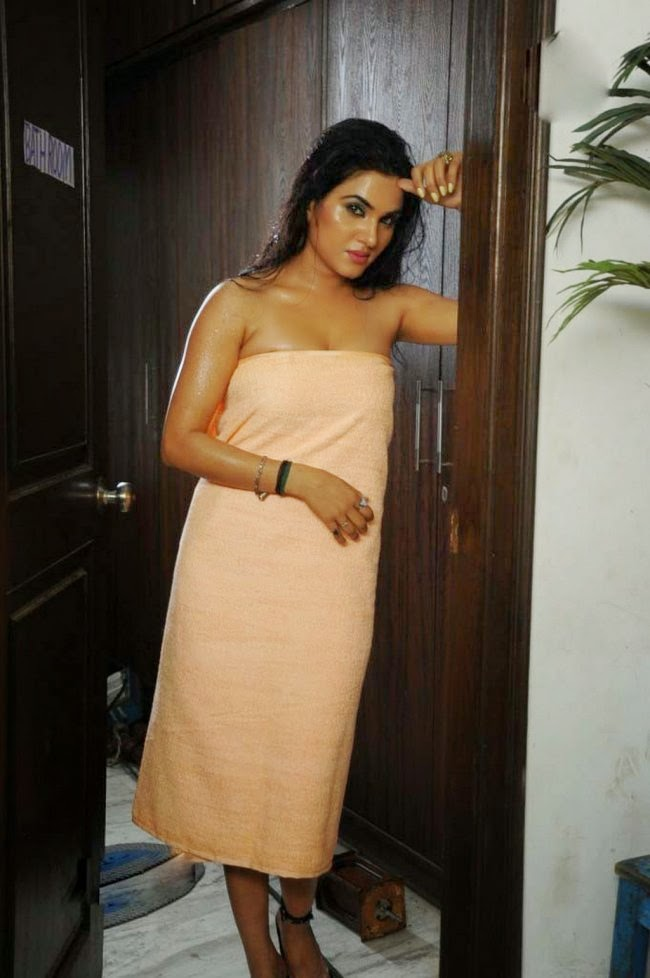 sexy masala actress kavya singh hot photos in bath towel panel
