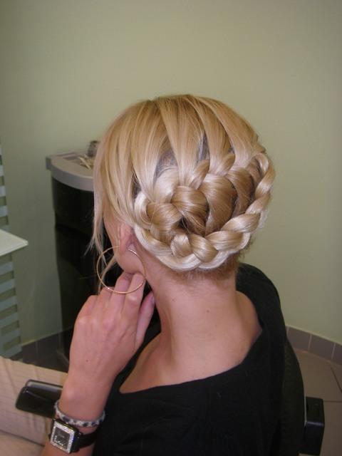 Pour elles, pas besoin de passer des heures chez le coiffeur, c\u0027est inné,  et si ce n\u0027est pas leur maman qui les coiffe, elles peuvent aussi le faire