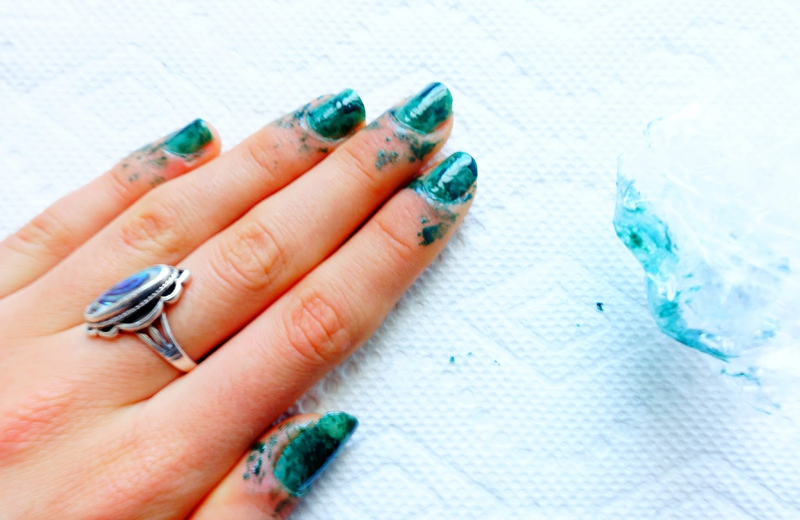 Amazing 12 Amazing Diy Nail Art Designs Using Scotch Tape Adornment ...