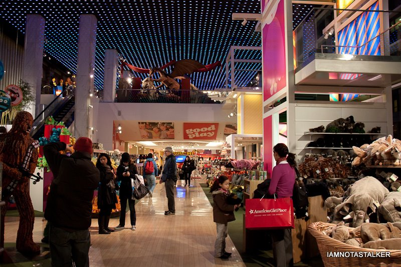 fao schwarz Fao schwarz, whose famous new york store was closed two years ago, is setting its sights on china as it continues its revival begun late last year.