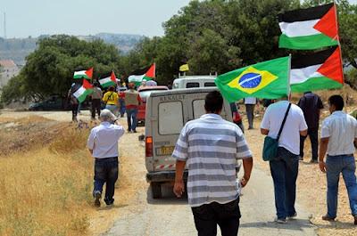 Segue a marcha rumo ao Muro do Apartheid