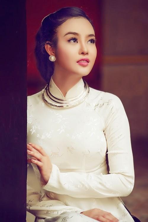 Ảnh gái đẹp diệu dàng trong tà áo dài 7