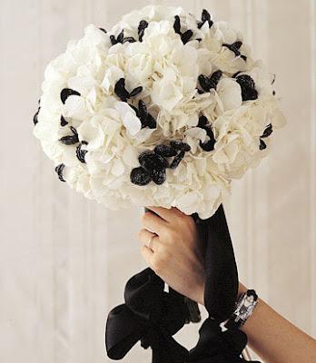 black and white wedding flowers. Black Bedroom Furniture Sets. Home Design Ideas