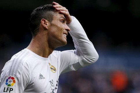 S'il est ravi du départ de Rafael Benitez, Cristiano Ronaldo n'entend pas se faire voler la vedette au Real Madrid par Zinedine Zidane…