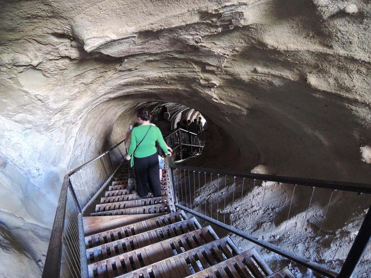 Уплисцихе тоннель со ступенями