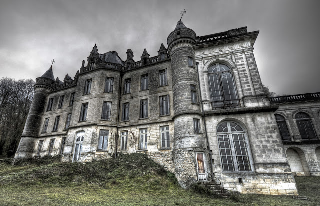 photo urbex hdr, urbex sites france, exploration urbaine france, urbex galerie, urbex blog, urbex château france, urbex château en friche,  photo hdr fabien monteil