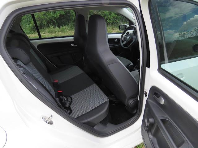 Volkswagen Up! TSI com 10.000 Km de uso - espaço interno