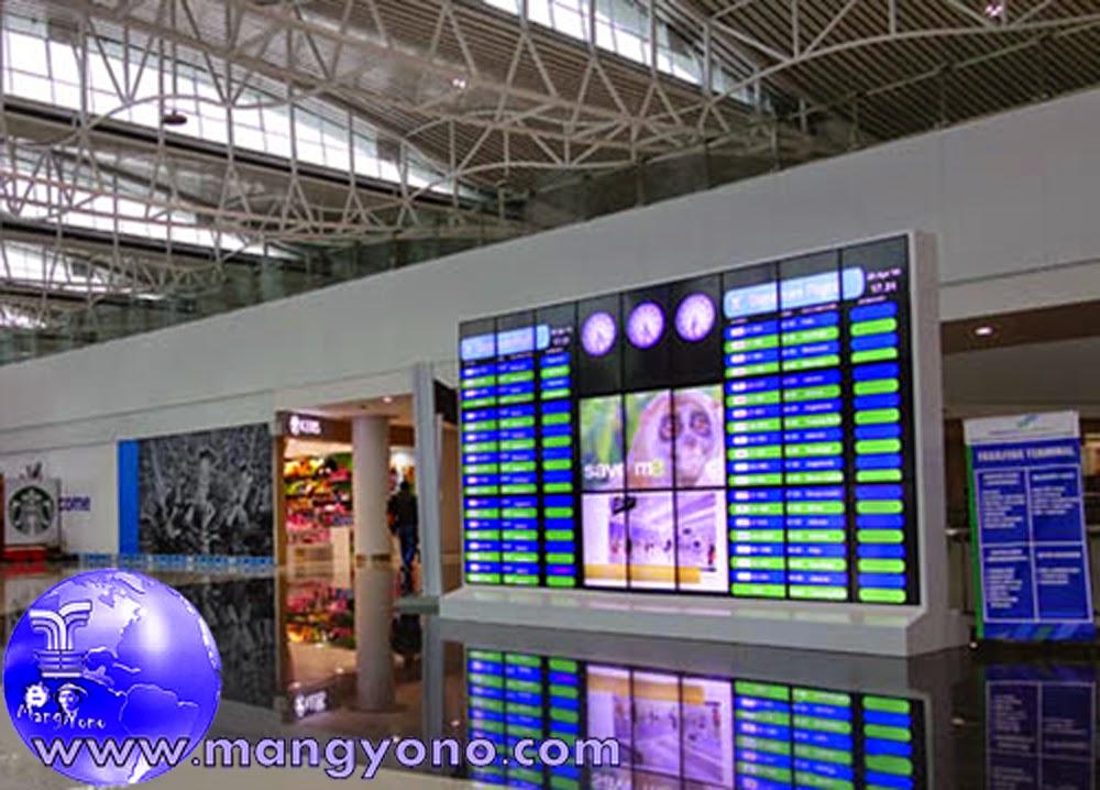 Pertama masuk bandara keberangkatan kita akan langsung melihat jadwal keberangkatan pesawat di Bandara Internasional Sepinggan