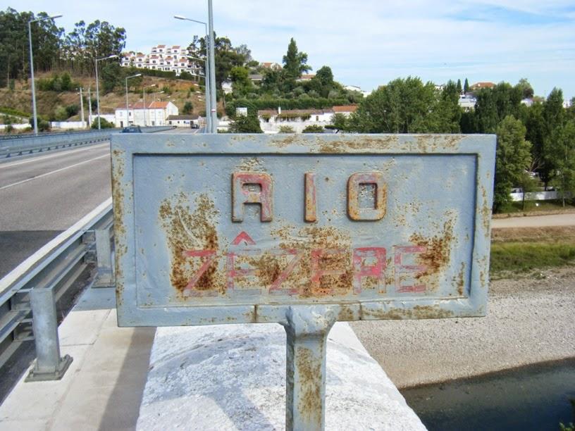 Placa indicativa do Rio Zêzere