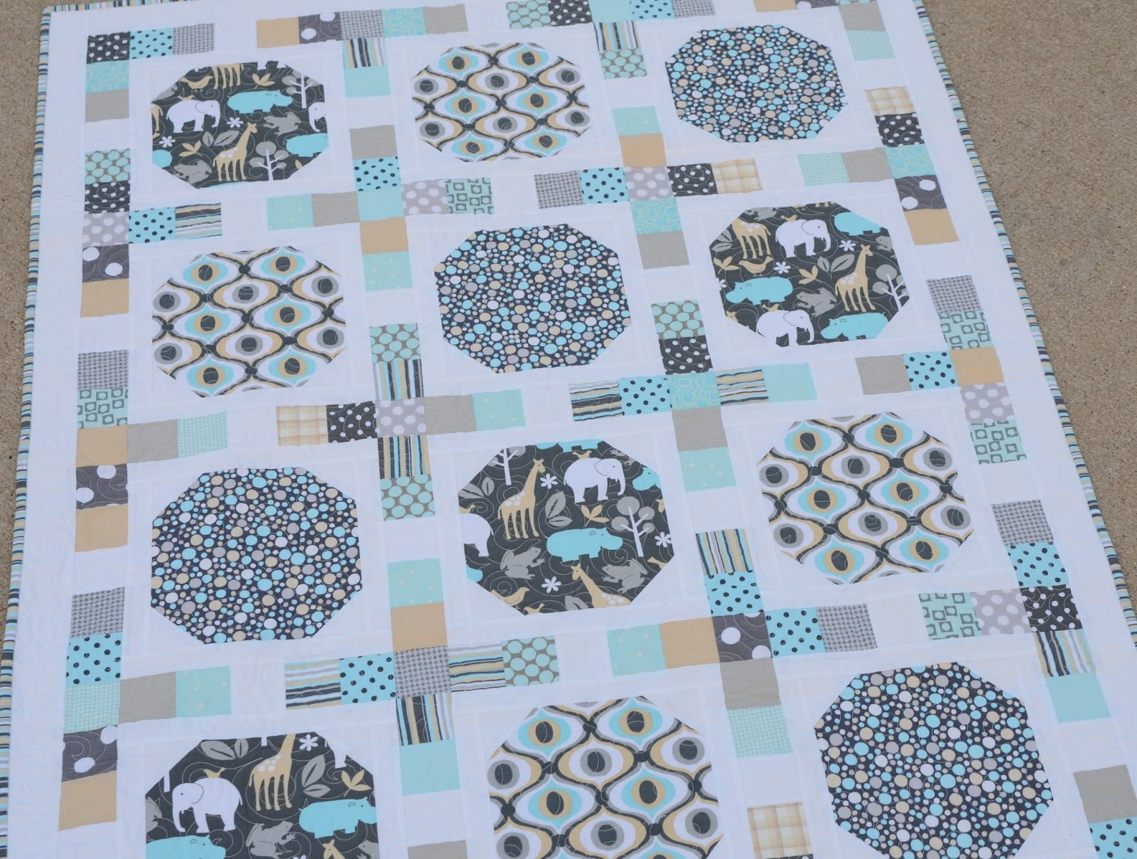 Quilt Pattern Using Focus Fabric : Hyacinth Quilt Designs: Using a focus fabric...
