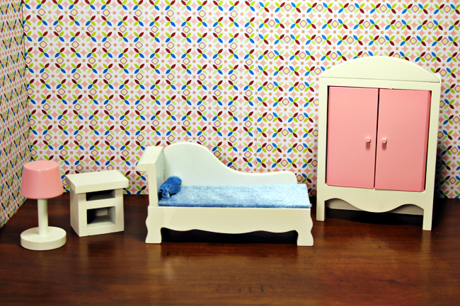 out the box and pre assembled dreamz bathroom dollhouse