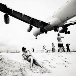 Самолёты над пляжем