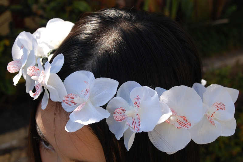 DIY Floral Crown, floral crown, floral garland, white orchids, flowers, style, spring