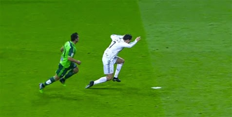 Poker Online : Cristiano Ronaldo Diving!