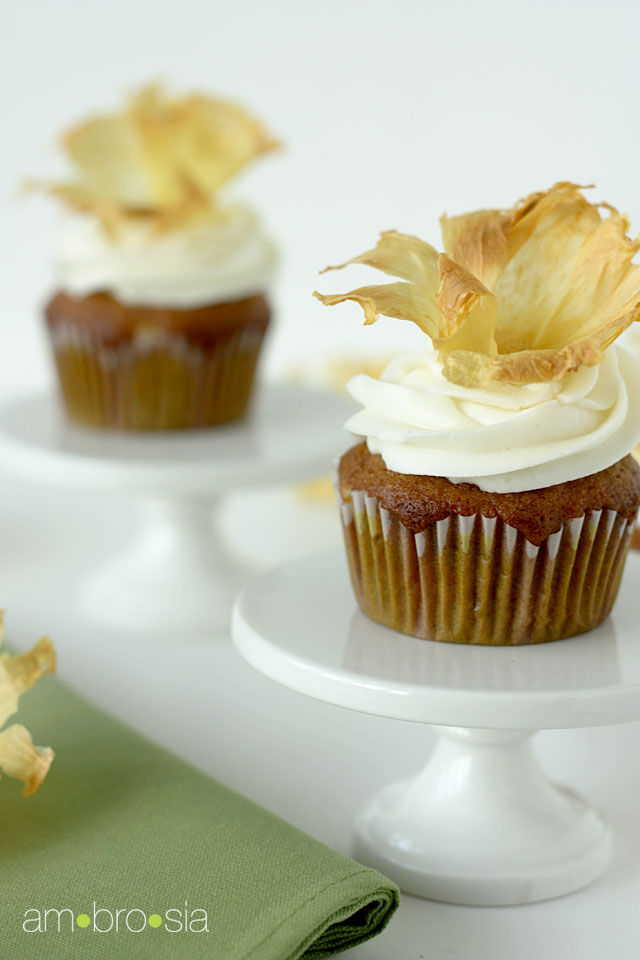 Hummingbird Cupcakes with Dried Pineapple Flowers