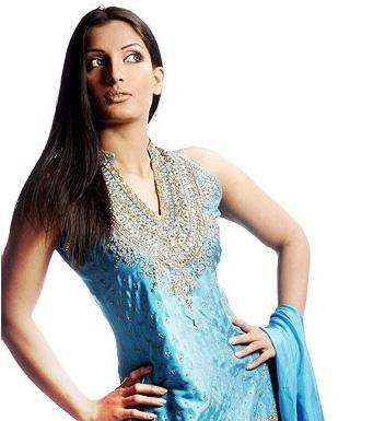 http://3.bp.blogspot.com/-huzYl95dsiM/TZjsSH6mGjI/AAAAAAAAAEE/usFLfNy2vGc/s1600/Formal-Dress-Designs-4.jpg