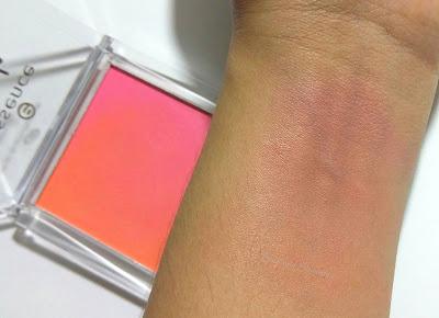 Essence Heat Wave Blush Up swatches