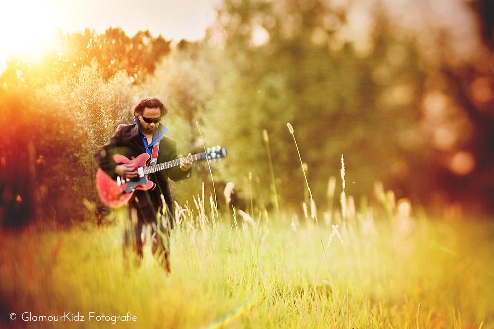 lensbaby guitar musician photographer Apeldoorn netherlands art vintage edge