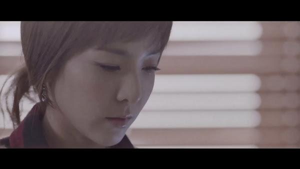 2NE1 Come Back Home Dara