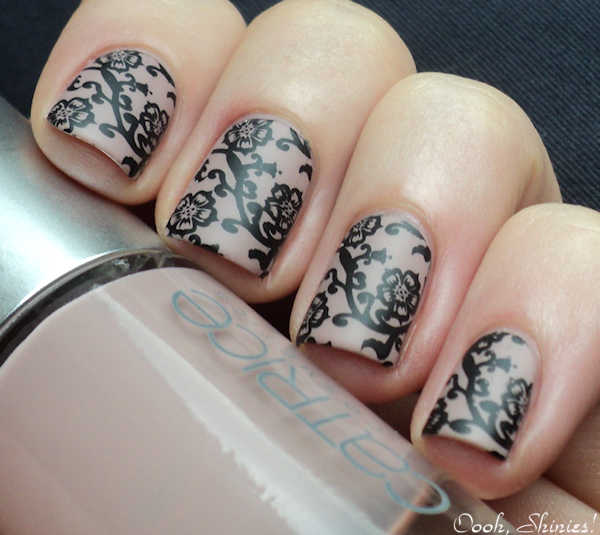 Catrice Nude with Red Angel plate 109, Konad Black and Essence Soft Touch TC ...