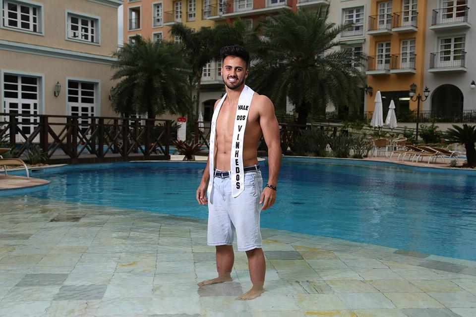 Mister Vale dos Vinhedos - Gilberto Júnior, 24 anos, 1,85 m - Foto: Leonardo Rodrigues