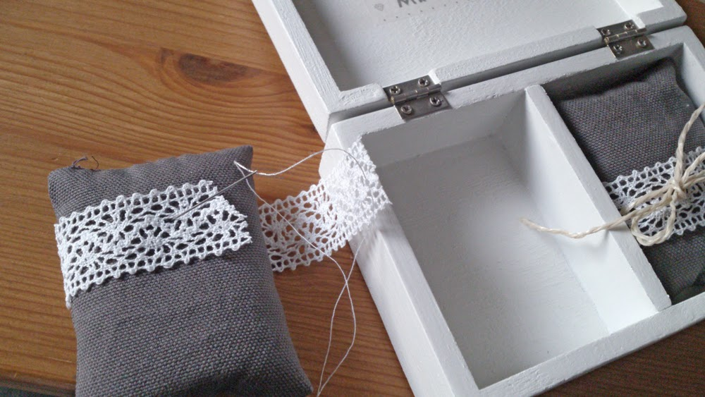 fr ken su mein kreativblog diy hochzeit ringkissen selbst gemacht. Black Bedroom Furniture Sets. Home Design Ideas