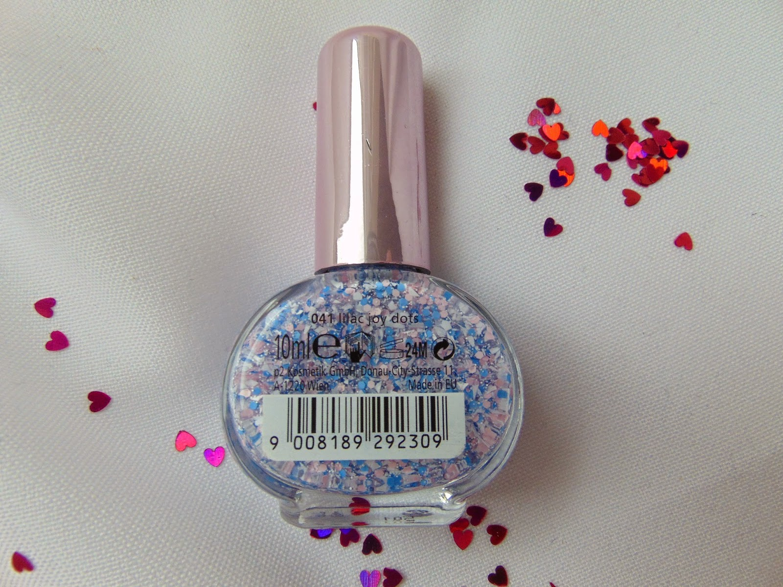 p2 Limited Edition: Just dream like - spring's fav nail top coat - Lilac Joy dots - www.annitschkasblog.de