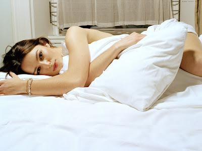 Hot HD Girl Wallpaper sleep