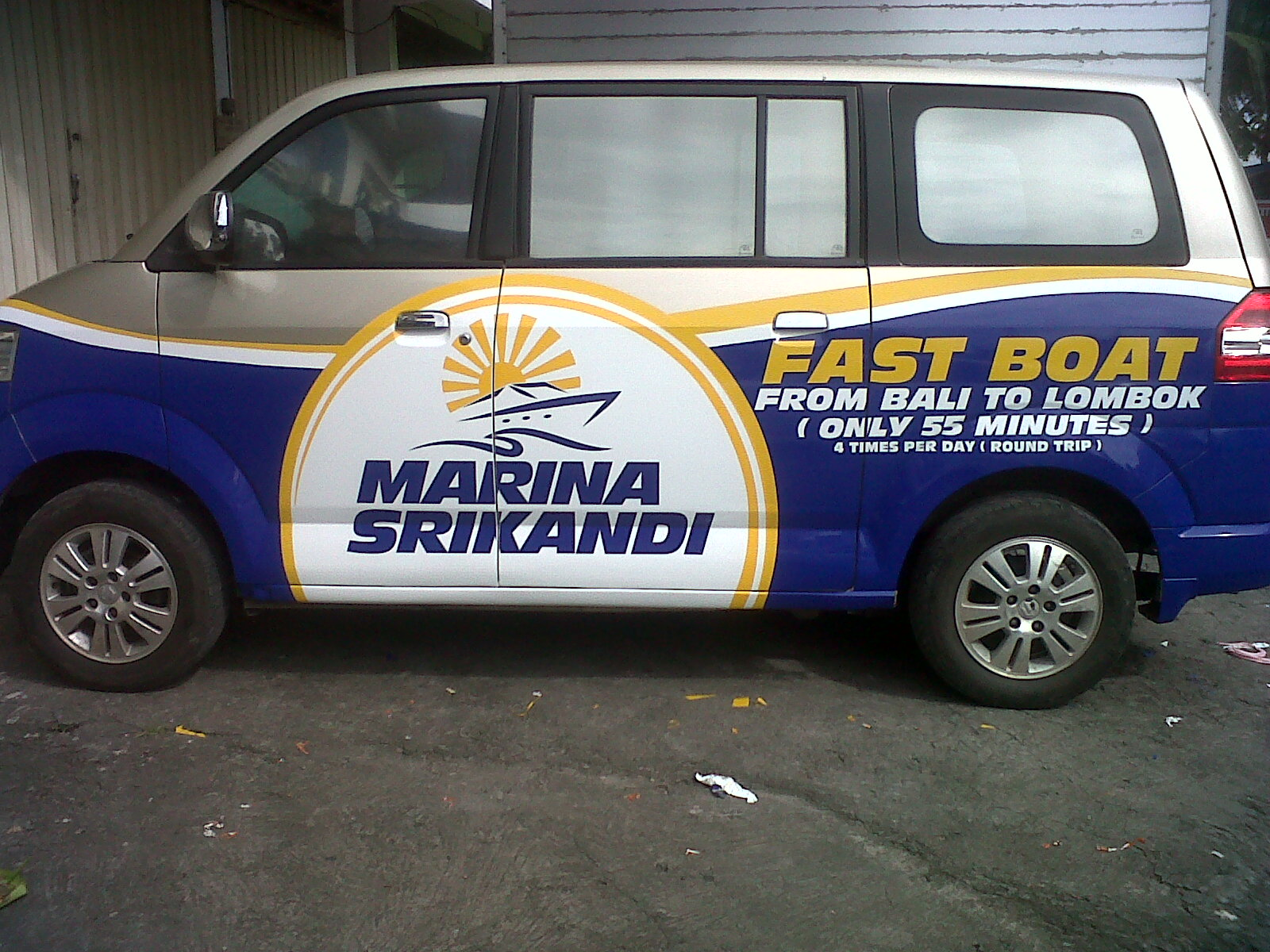 Cutting Stiker Dan Branding Mobil Bali