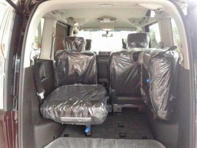 Interior Nissan Serena HWS
