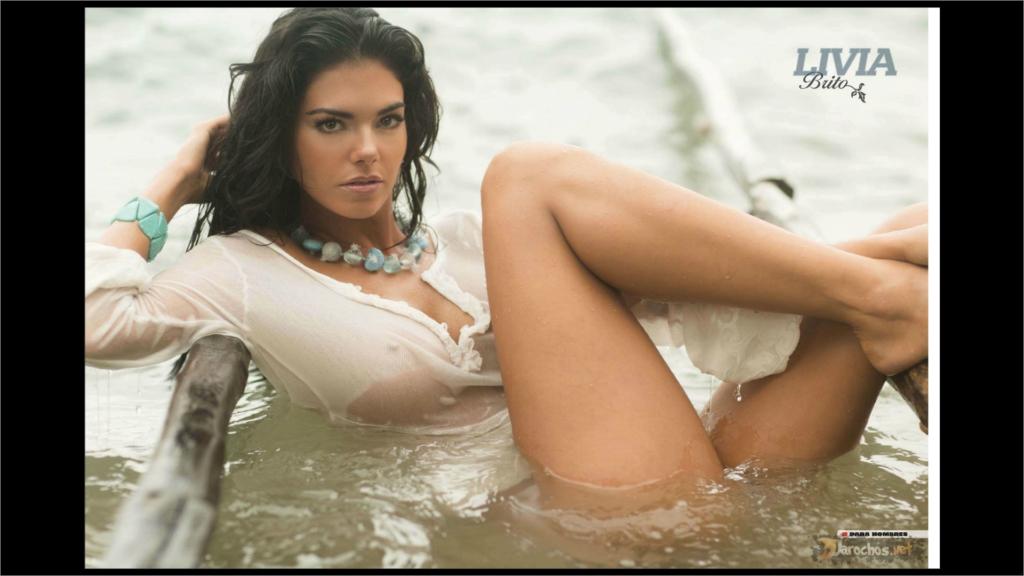 Livia Brito - Revista H Octubre 2012 5
