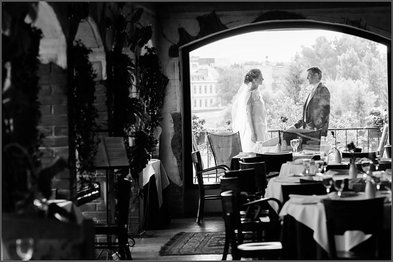 vestuvinė fotosesija romantic viešbučio restorane panevėžyje