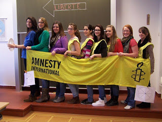 http://amnesty-luxembourg-photos.blogspot.com/2012/04/journee-de-la-solidarite-au-lycee-prive.html