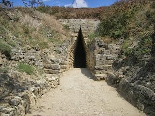 инфразвуковой приемник, известный как царский курган или могила митридата, крым