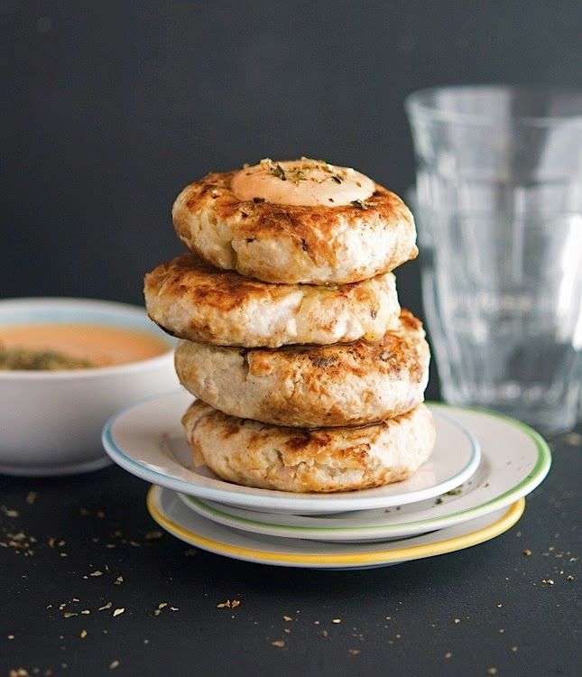 Apple Cheddar Turkey Burgers with Roasted Tomato Tahini Sauce