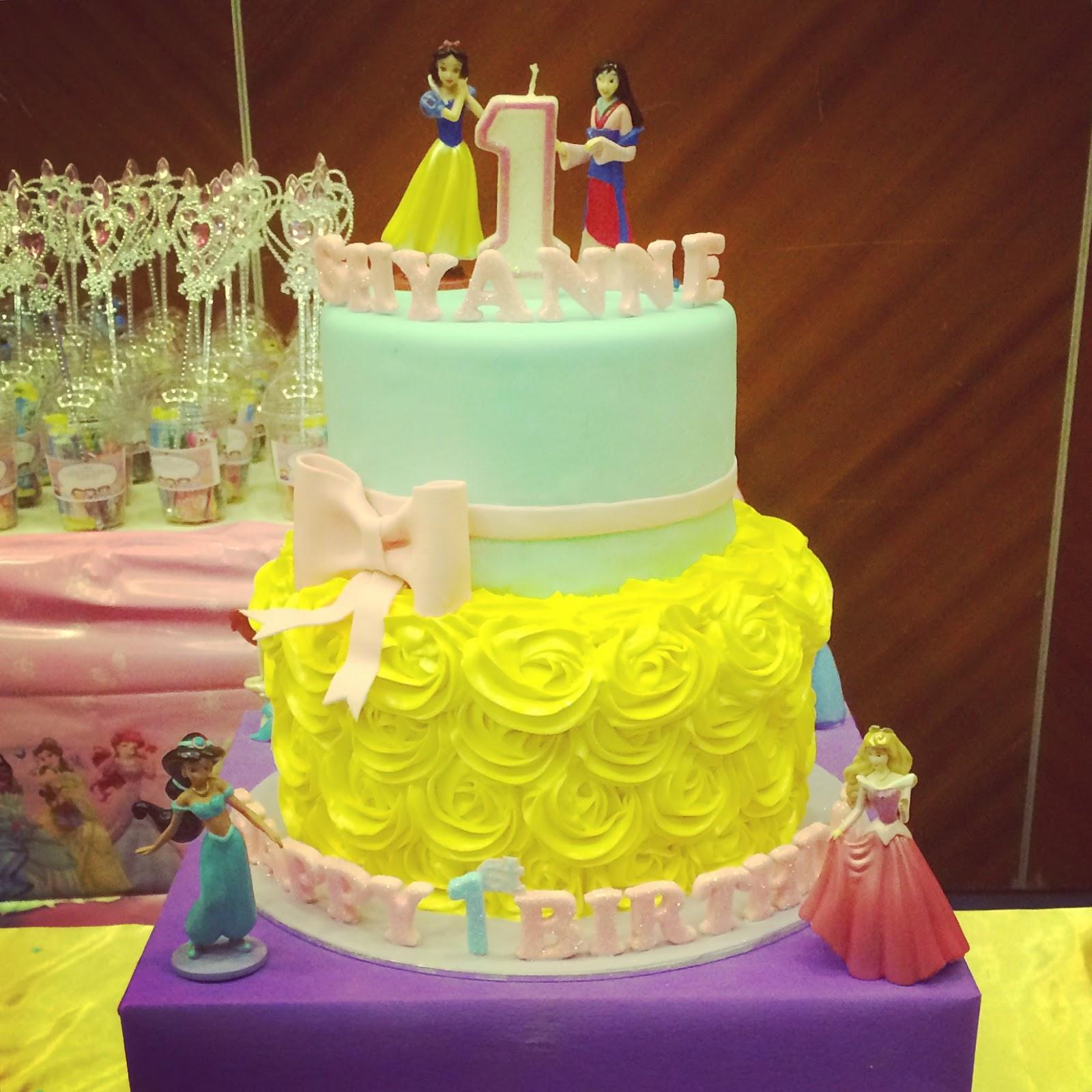 Disney Princess Cake Pops, Cupcakes, Cookie Pops & Cake | Crissa\'s ...