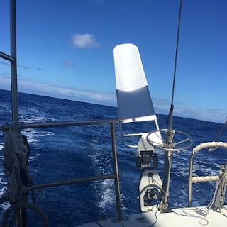 Preparando el barco para navegar. Jeanneau. Melody 35. Jeanneau. Melody 35. Hydrovane piloto viento.