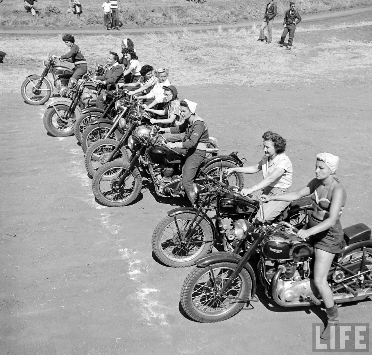S Bike Girls Fascinating Photos Of Female